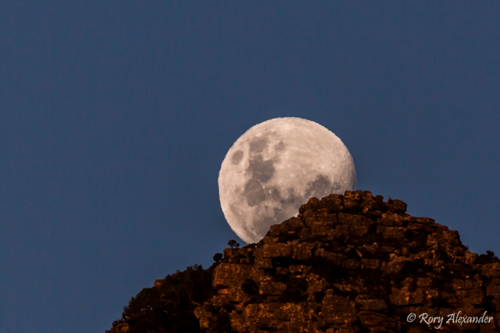 moon rise, cape town, South africa, canon, 400mm , Canon 5D Mk III